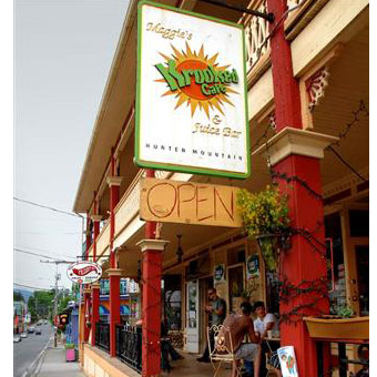 Maggie's Krooked Café & Juice Bar in Tannersville